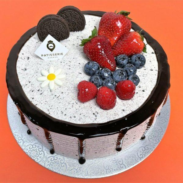 Oreo-Vanilla Chiffon Cake